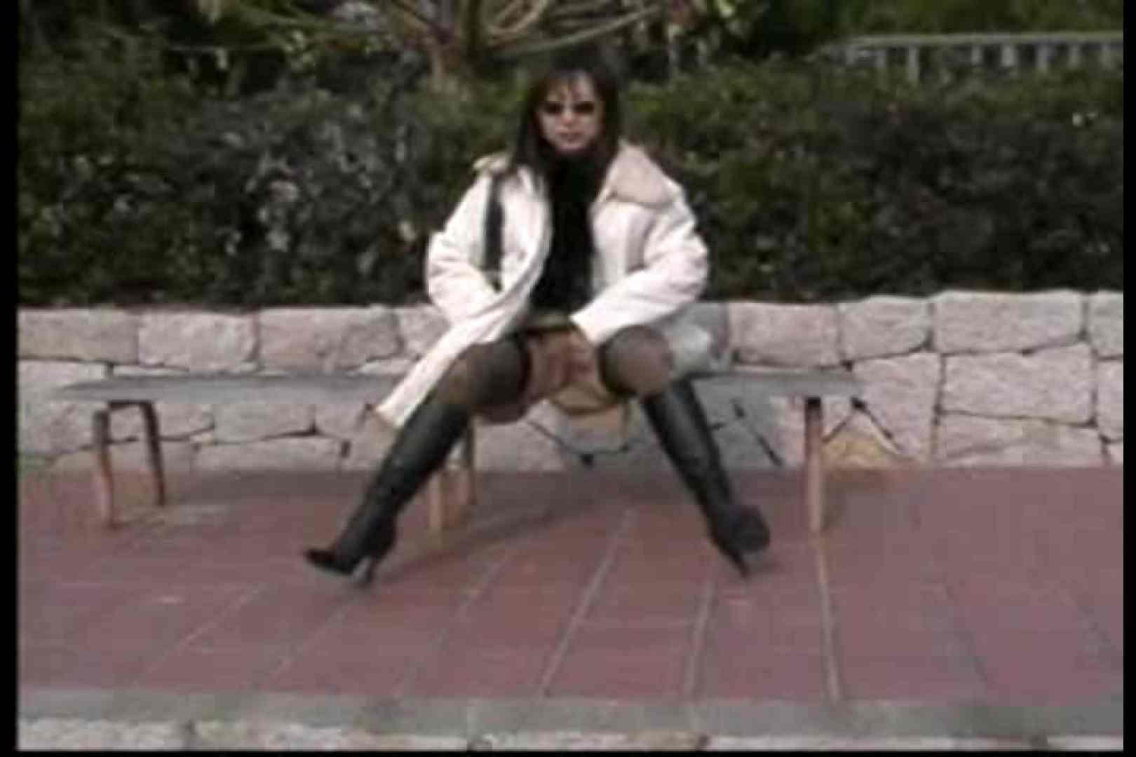 美熟女の野外露出プレイ 車中のぞき オメコ動画キャプチャ 88枚 35