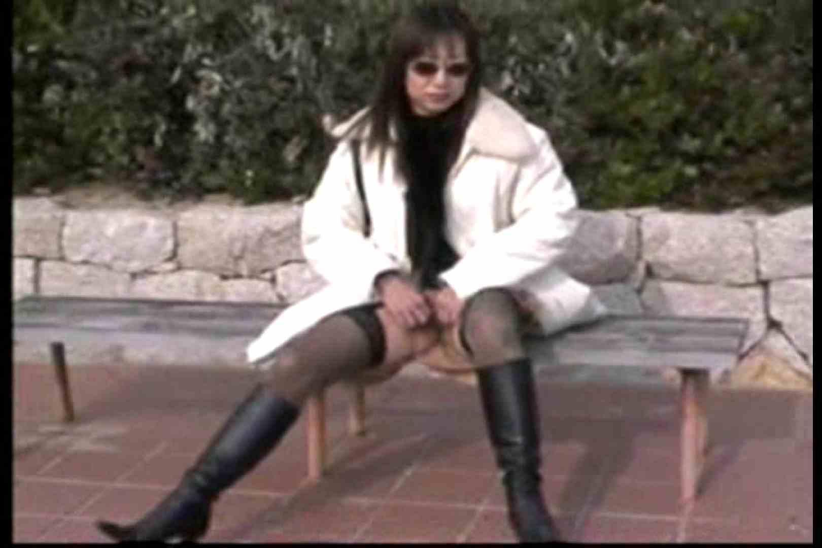 美熟女の野外露出プレイ オナニー映像 盗撮動画紹介 88枚 38