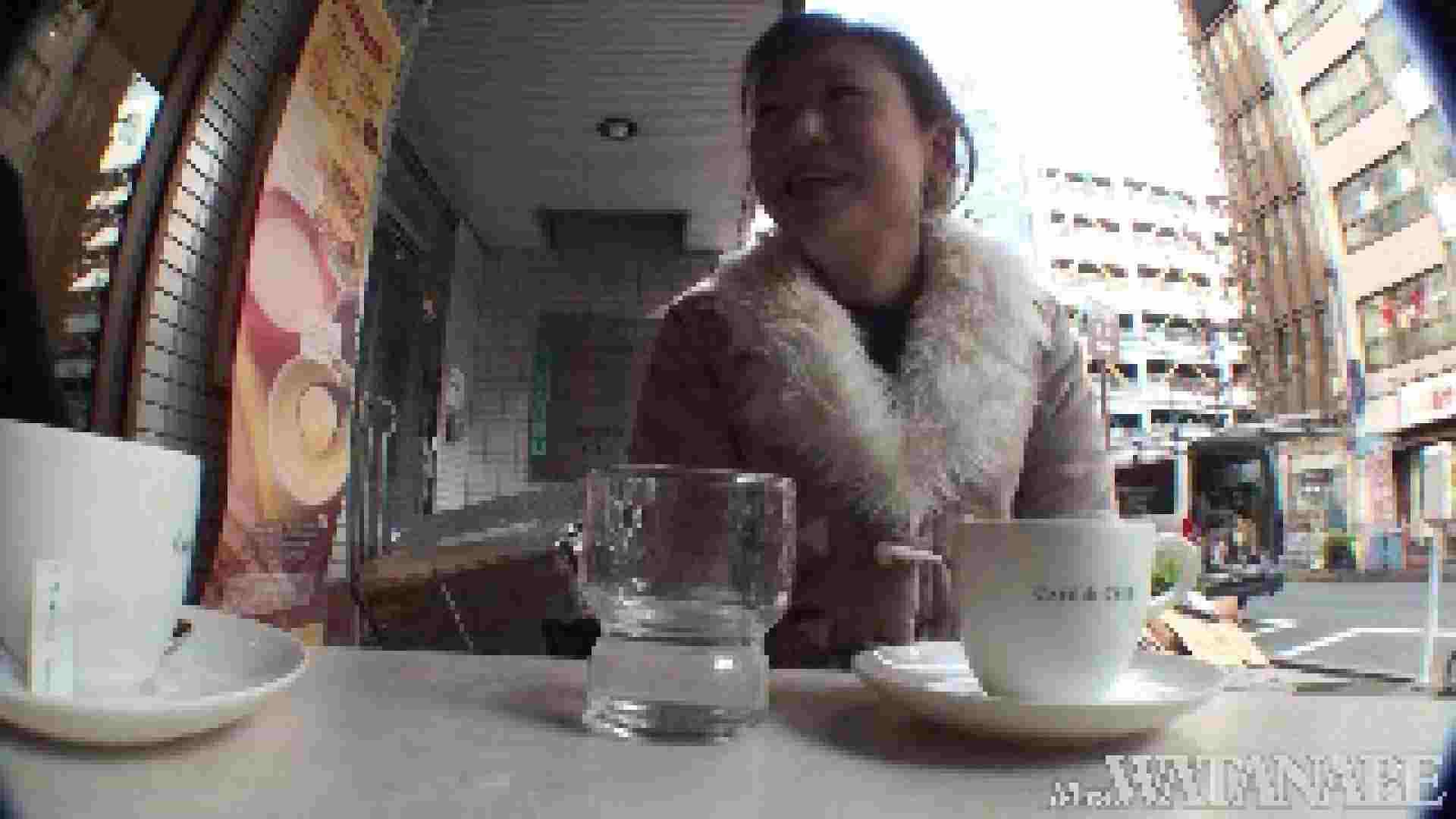 撮影スタッフを誘惑する痴熟女 かおり40歳 Vol.01 隠撮   OLの裸事情  87枚 85